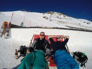 Bensch im Liegestuhl auf 2.800m Höhe im Ötztal