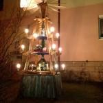 beleuchtete Weihnachtspyramide in Treuen